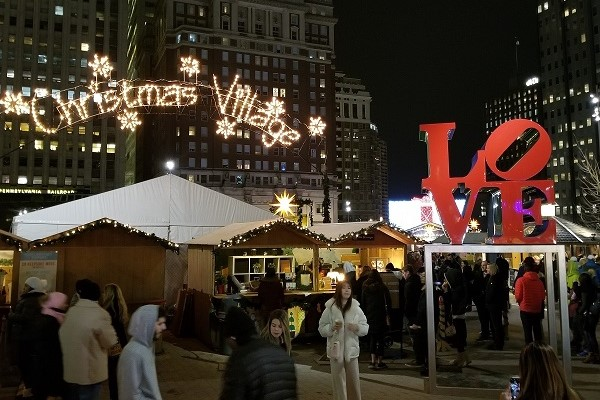 Christmas Village Love Park.Weekend Fun In Philly Philly Fun