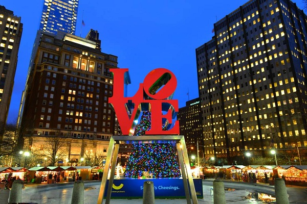 Christmas Village Philly.Holiday Family Fun At Love Park Holiday Shopping